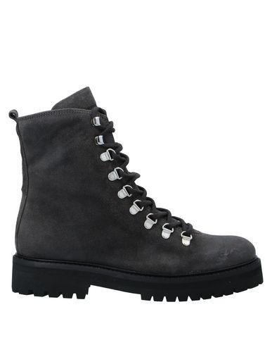 Купить Полусапоги и высокие ботинки от ROYAL REPUBLIQ цвет стальной серый