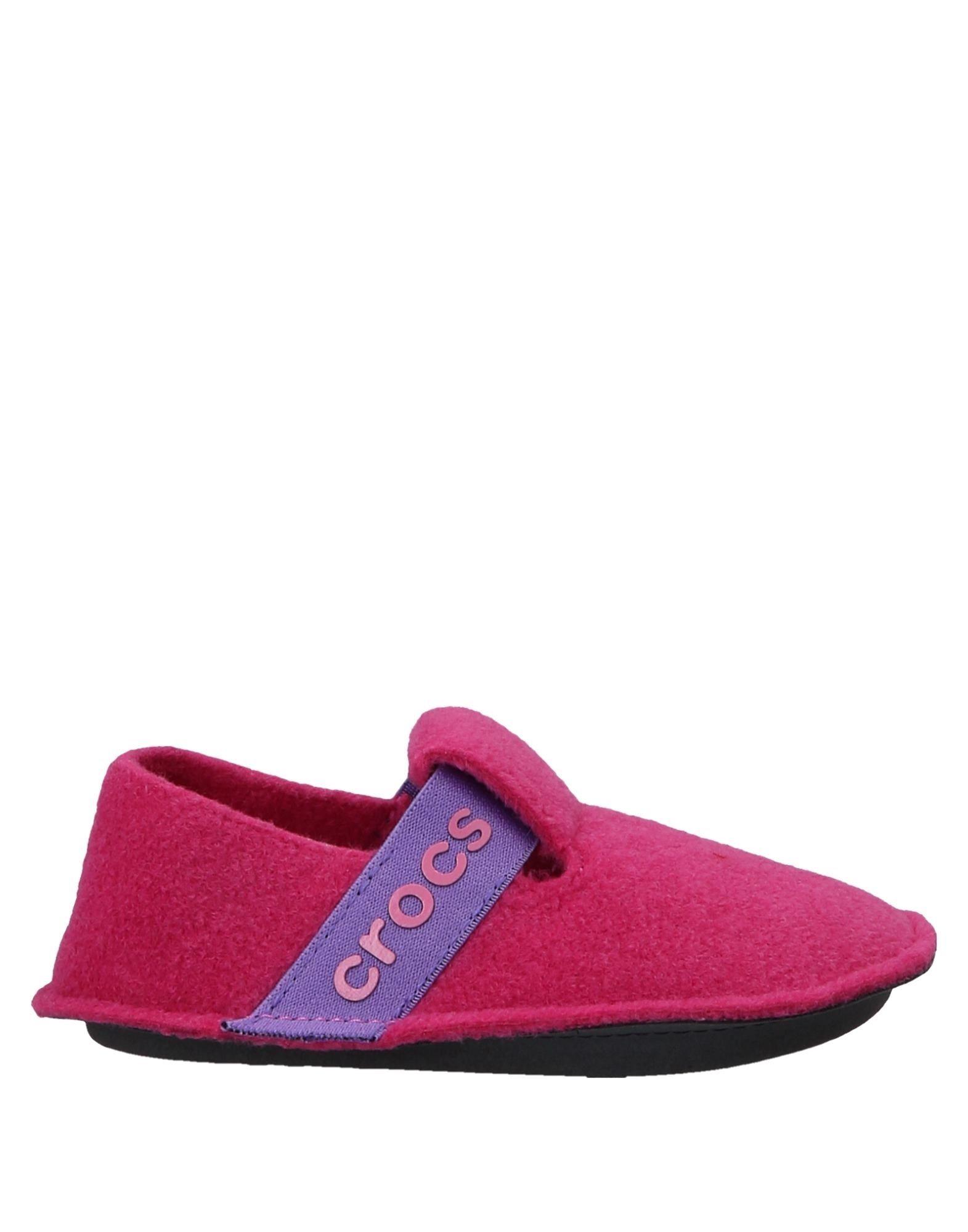 цена на CROCS Домашние туфли