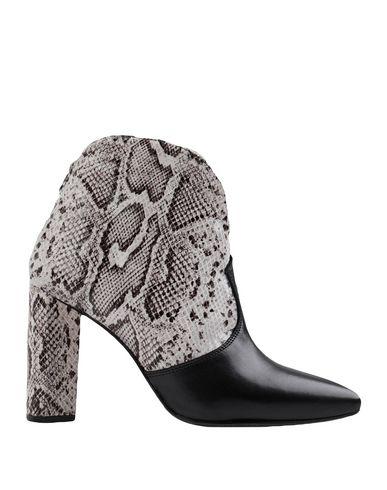 Купить Полусапоги и высокие ботинки светло-серого цвета
