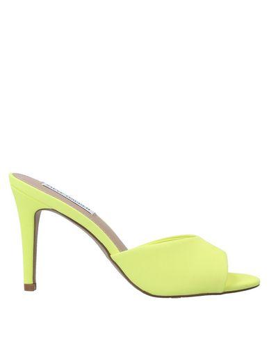 Купить Женские сандали STEVE MADDEN светло-желтого цвета