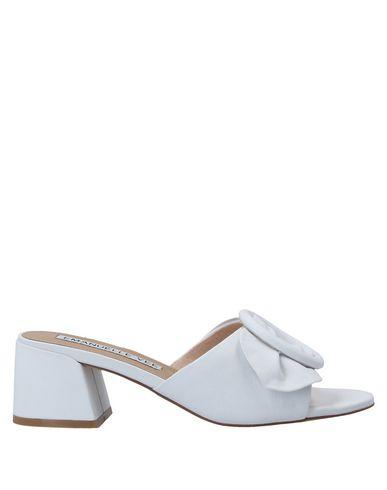 Купить Женские сандали EMANUÉLLE VEE белого цвета