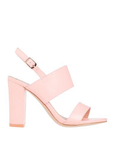Купить Женские сандали  розового цвета