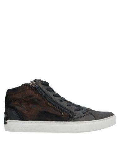 Купить Высокие кеды и кроссовки темно-коричневого цвета