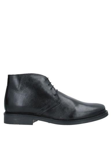 Купить Полусапоги и высокие ботинки от RICHARD LARS черного цвета