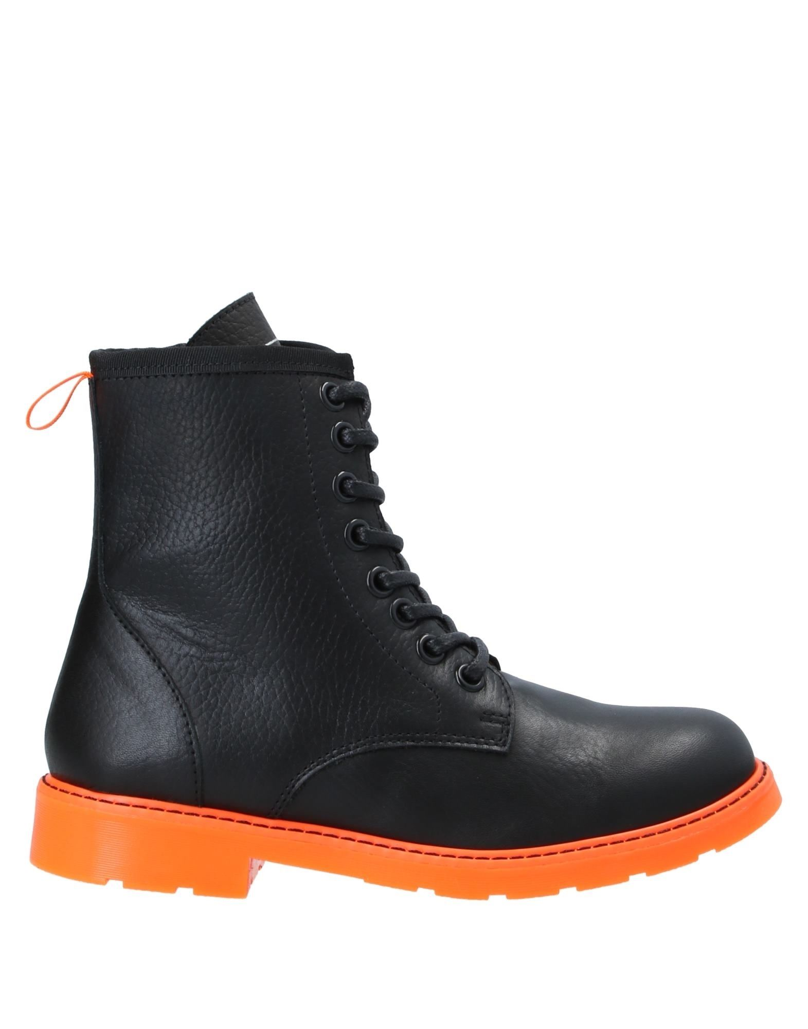 цена LITTLE MARC JACOBS Полусапоги и высокие ботинки онлайн в 2017 году