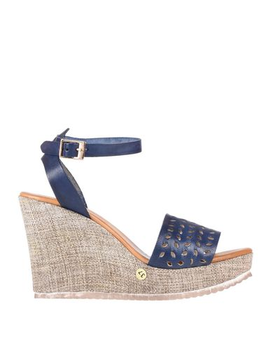 Фото - Женские сандали DONNA ITALIA темно-синего цвета