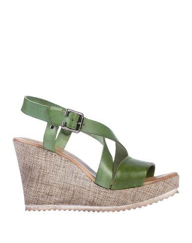 Фото - Женские сандали DONNA ITALIA зеленого цвета