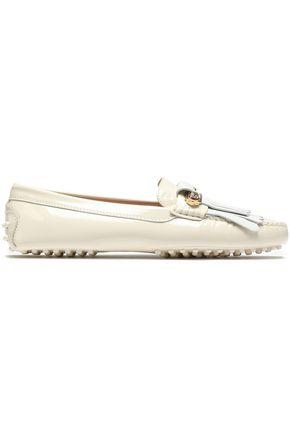 TOD'S حذاء لوفر من الجلد الأملس والجلد اللامع مع تصميمات مخيطة ومزين بأشرطة