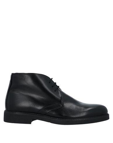 Купить Полусапоги и высокие ботинки черного цвета