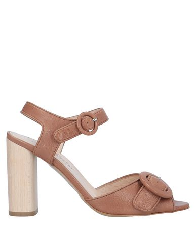 Фото - Женские сандали LENORA коричневого цвета