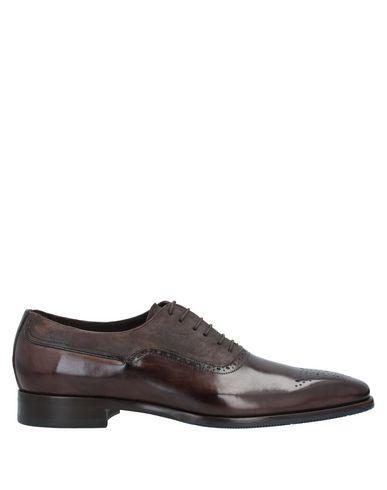 Lace-up shoe