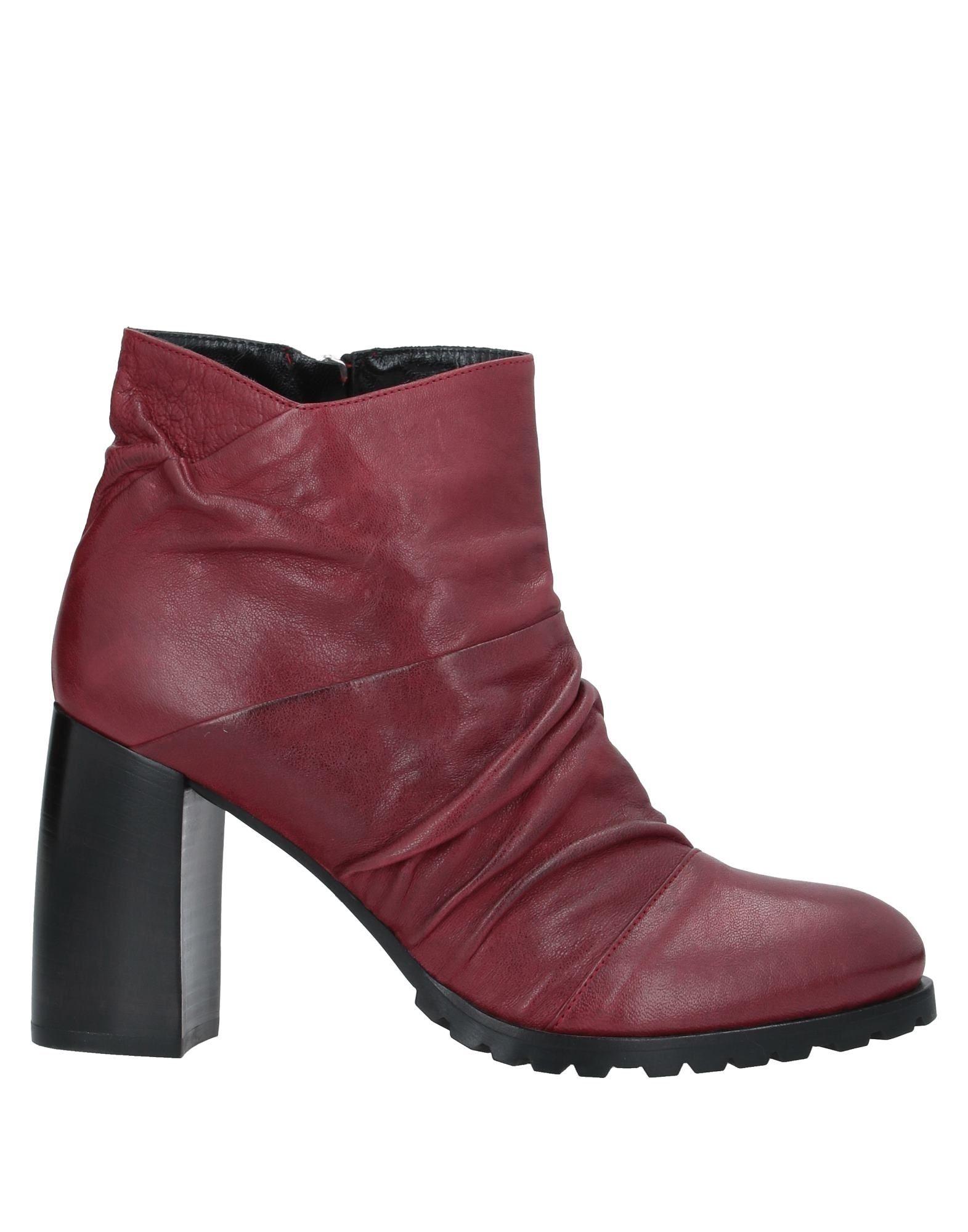 купить LES TROIS GARÇONS Полусапоги и высокие ботинки дешево