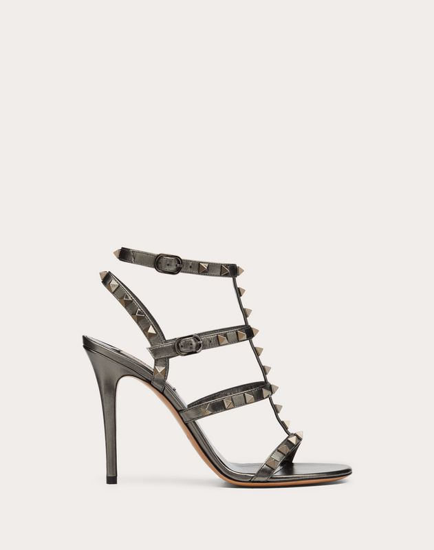 Rockstud Metallic Calfskin Leather Ankle Strap Sandal 100 mm