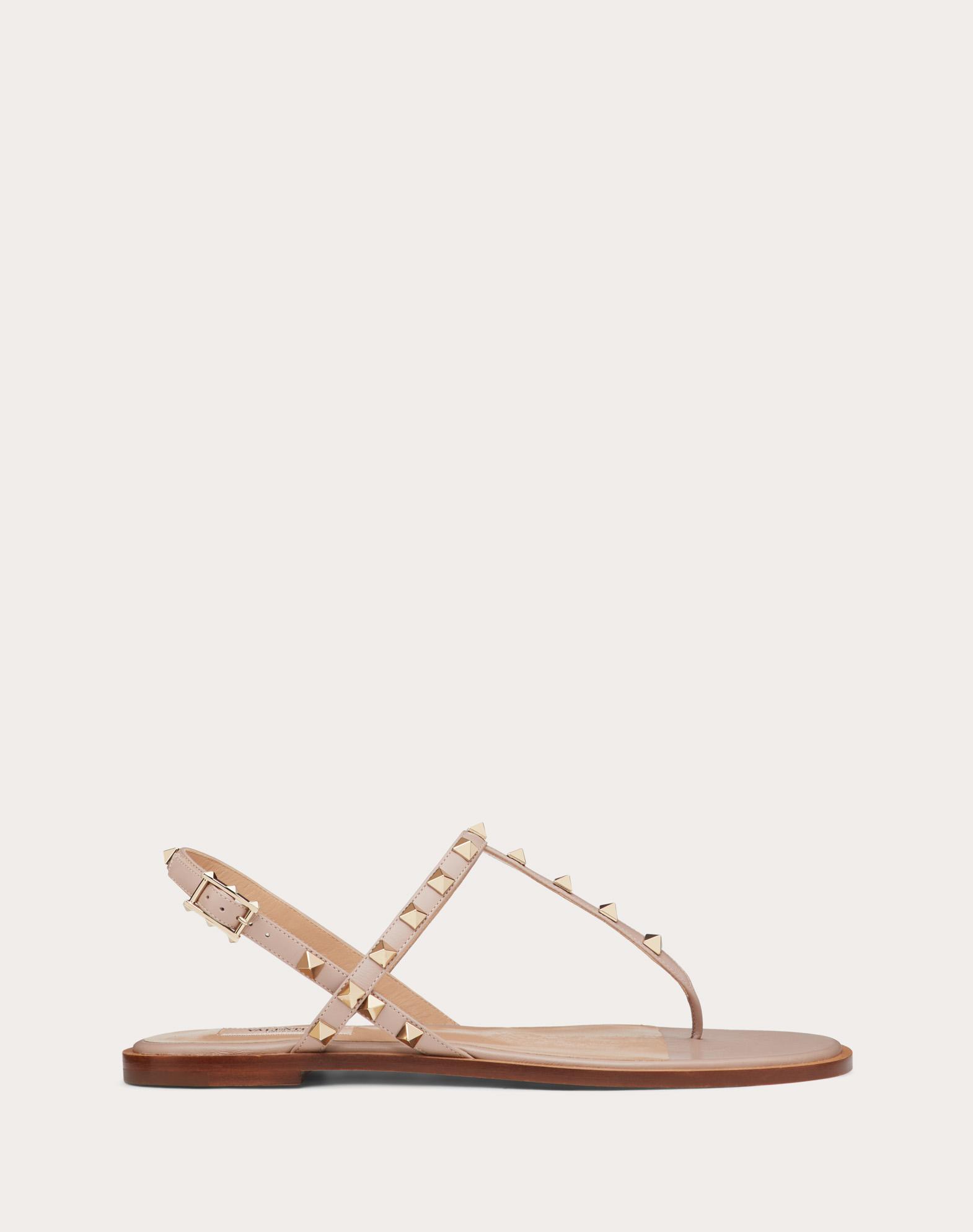 Sandales basses à entre-doigts Rockstud en veau
