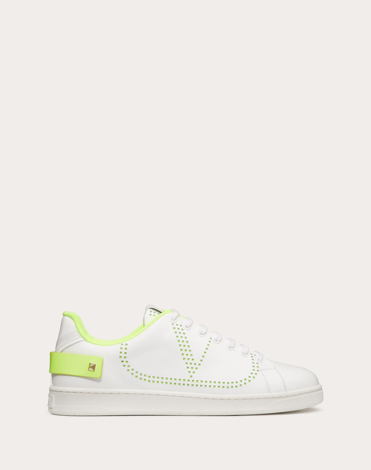 Sneaker Backnet con VLogo Fluo