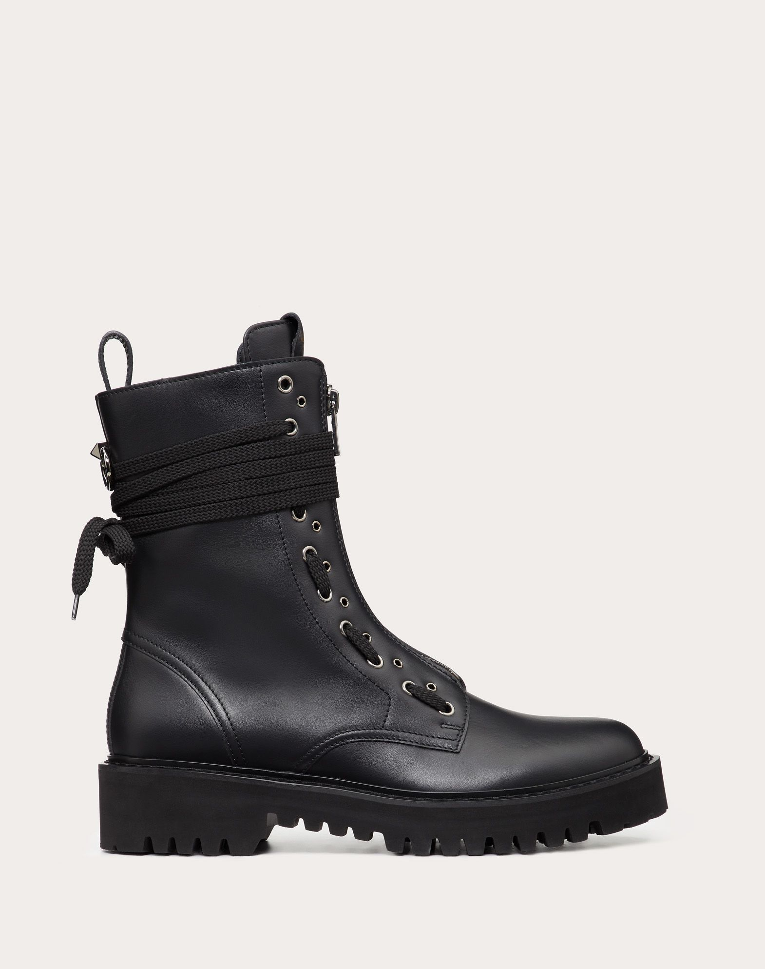 Combat Boot in Vitello con anello.