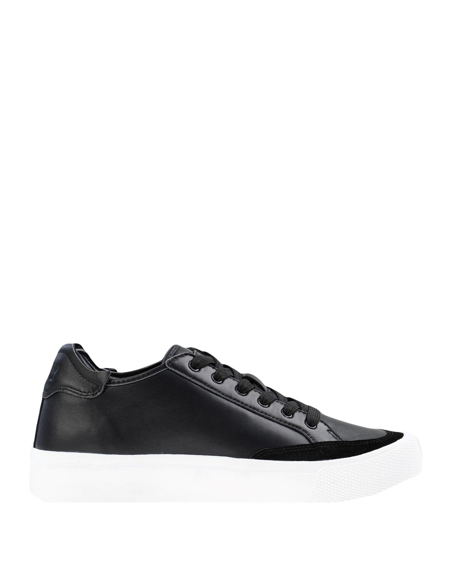 цена DKNY Низкие кеды и кроссовки онлайн в 2017 году