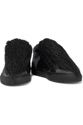 Mm6 Maison Margiela Sneakers MM6 MAISON MARGIELA WOMAN FAUX SHEARLING, SUEDE AND LEATHER SLIP-ON SNEAKERS BLACK
