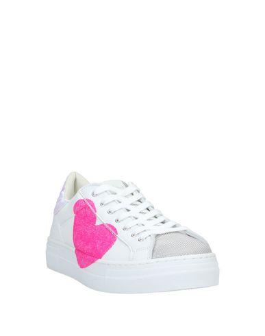 Фото 2 - Низкие кеды и кроссовки от NIRA RUBENS белого цвета