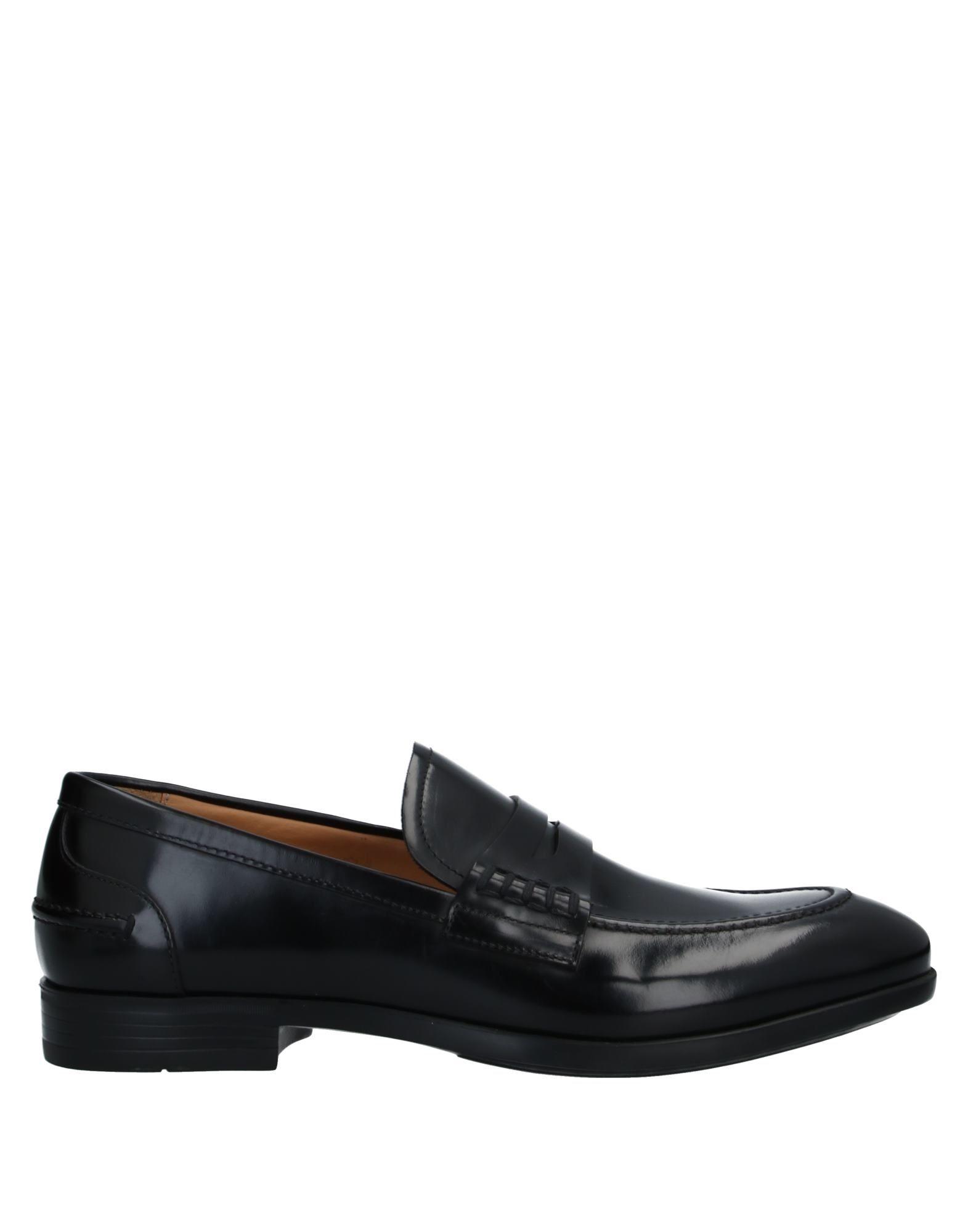 купить мужские спортивные туфли
