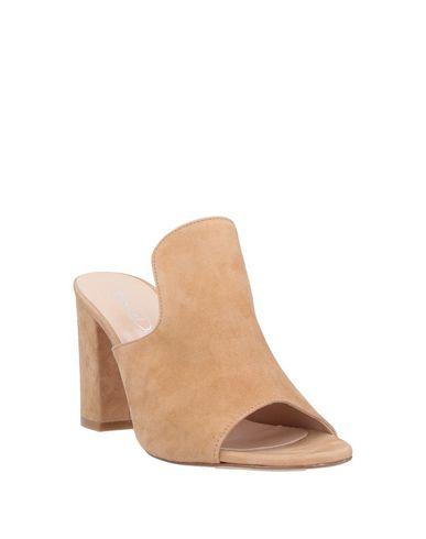 Фото 2 - Женские сандали BIANCA DI бежевого цвета