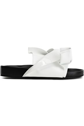 N°21 Knotted patent-leather slides