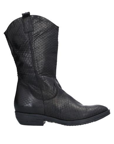 Фото - Полусапоги и высокие ботинки от EMOZIONI черного цвета