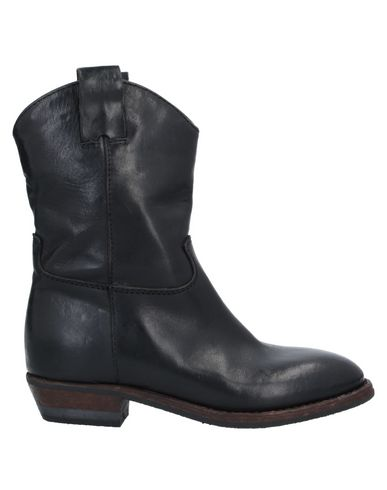 Полусапоги и высокие ботинки À TROIS