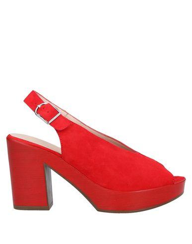 Фото - Женские сандали WONDERS красного цвета