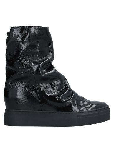 Полусапоги и высокие ботинки LEMARE