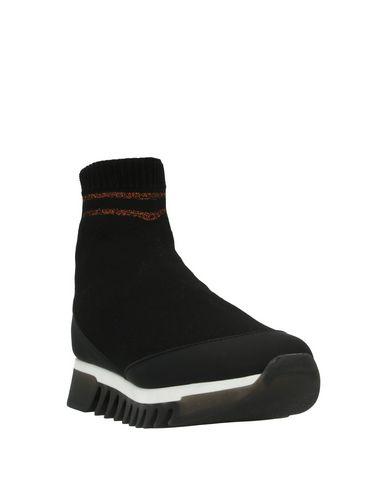 Фото 2 - Полусапоги и высокие ботинки от ALEXANDER SMITH черного цвета