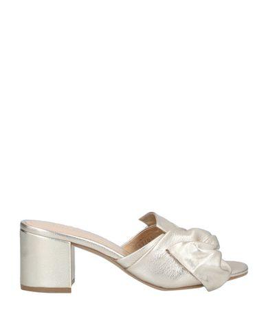 Фото - Женские сандали  цвет платиновый