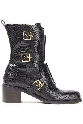 STELLA McCARTNEY حذاء بوت من الجلد الاصطناعي بنمط التمساح مزوّد بإبزيم