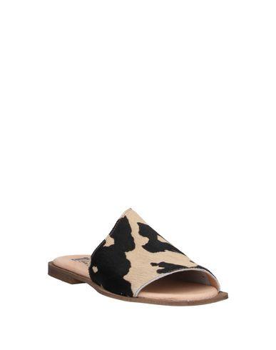 Фото 2 - Женские сандали 1725.A бежевого цвета