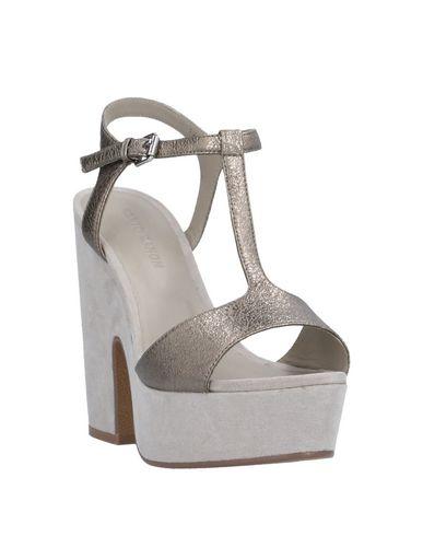 Фото 2 - Женские сандали ELVIO ZANON свинцово-серого цвета