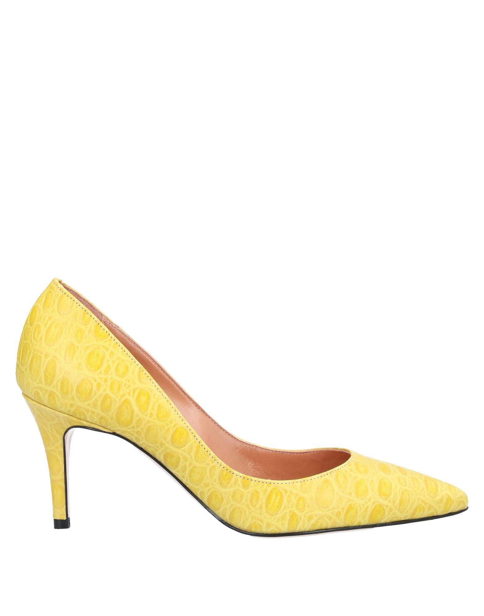 женские кроссовки туфли