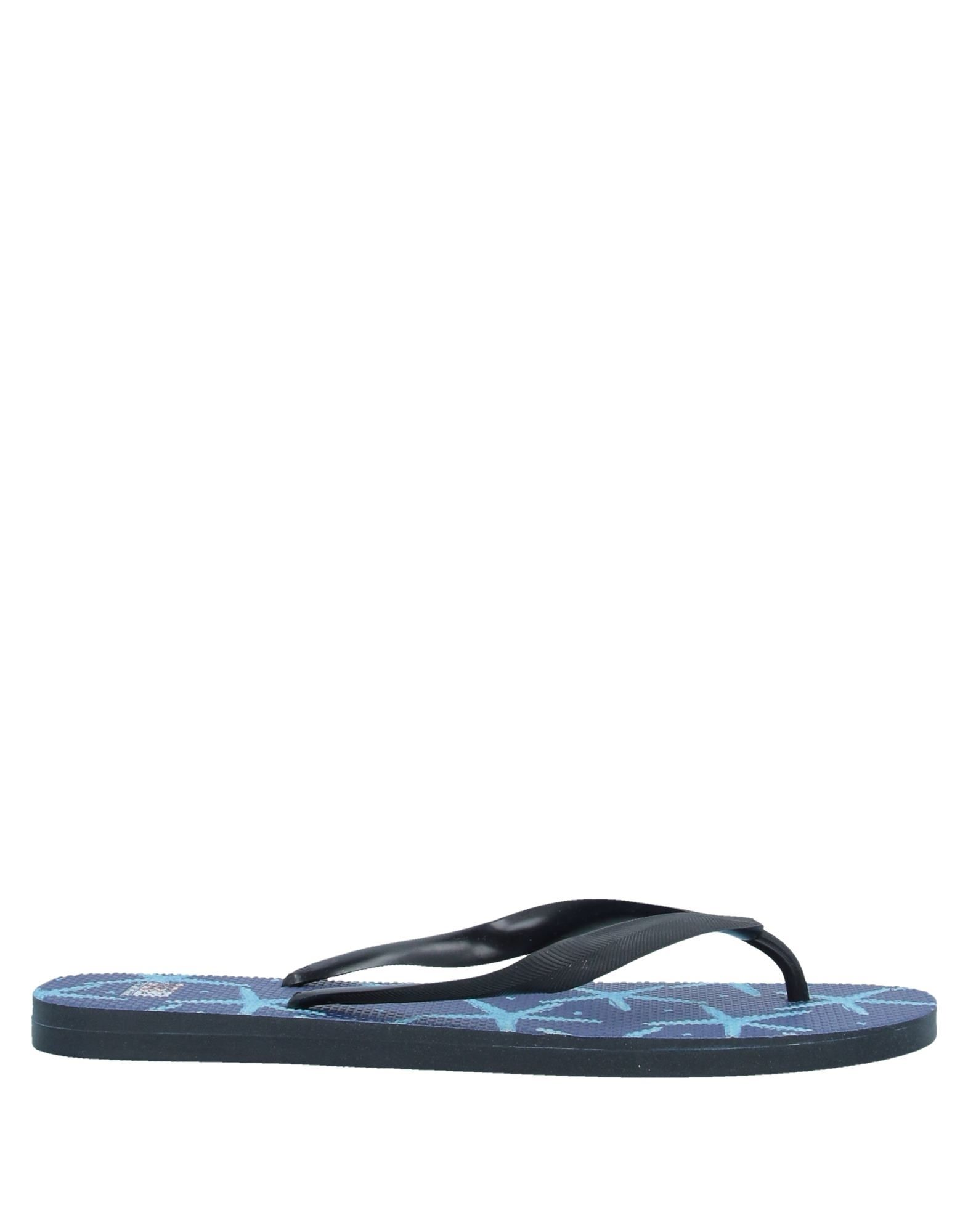 MC2 SAINT BARTH Toe strap sandals. logo, solid color, round toeline, flat, unlined, rubber sole, large sized. Rubber