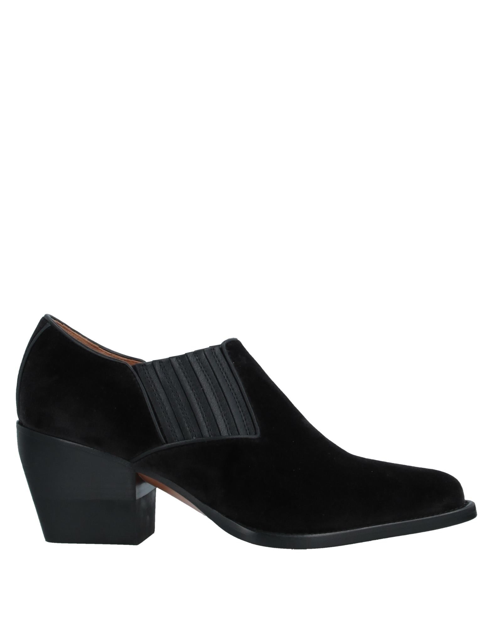 CHLOÉ Booties. velvet, no appliqués, basic solid color, elasticized gores, narrow toeline, square heel, leather lining, leather sole, contains non-textile parts of animal origin. Textile fibers