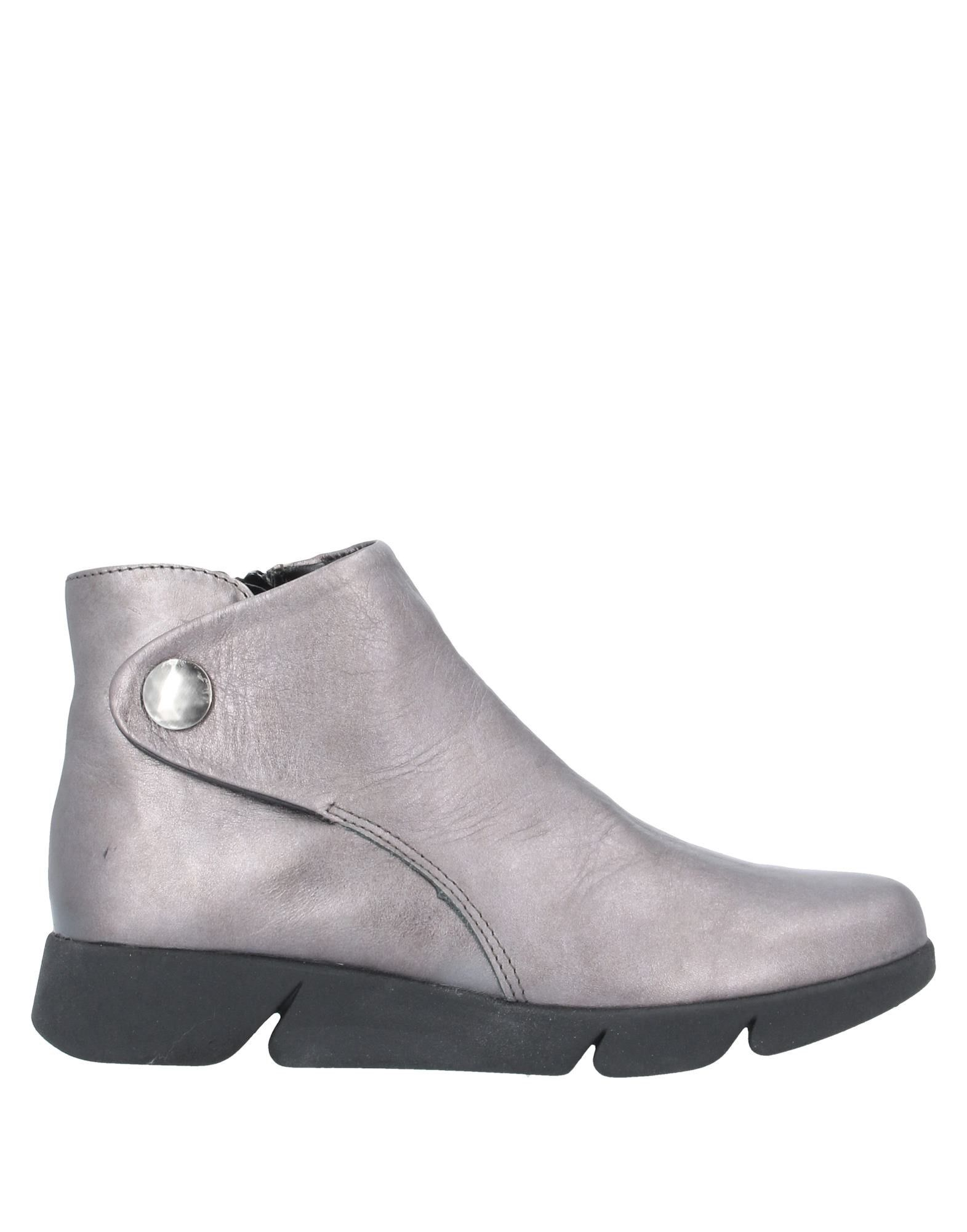 THE FLEXX Ankle boots. leather, laminated effect, no appliqués, solid color, zipper closure, round toeline, wedge heel, rubber wedge, technical fabric inner, rubber cleated sole, contains non-textile parts of animal origin. Soft Leather