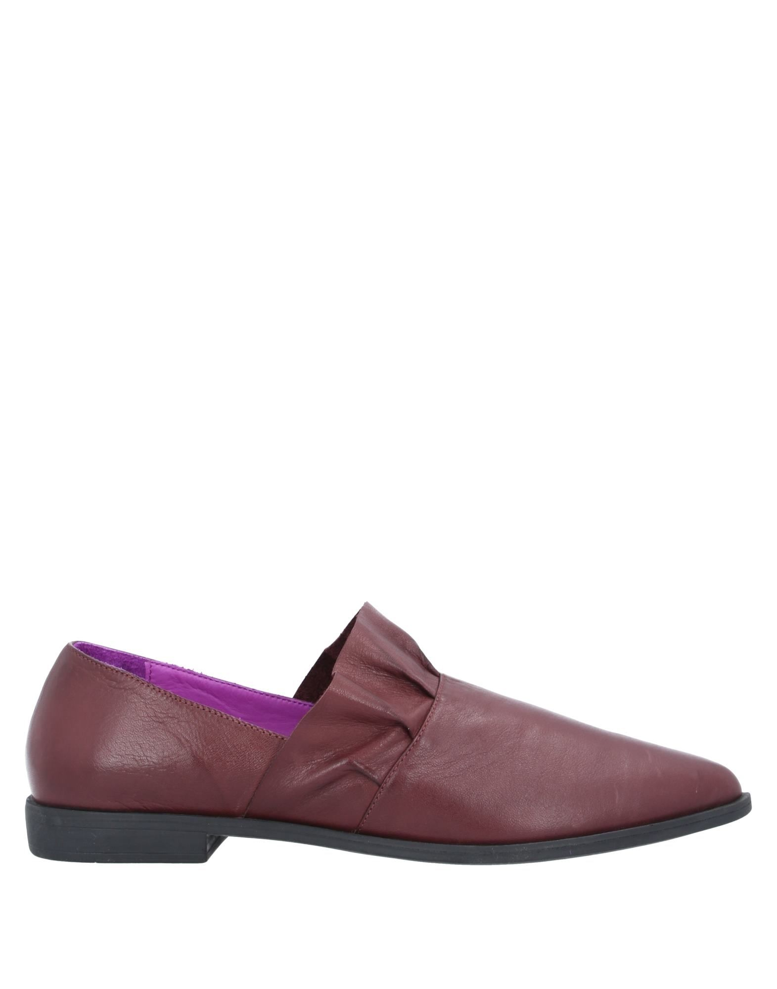 BUENO Loafers. no appliqués, solid color, round toeline, flat, leather lining, rubber sole, contains non-textile parts of animal origin. Soft Leather