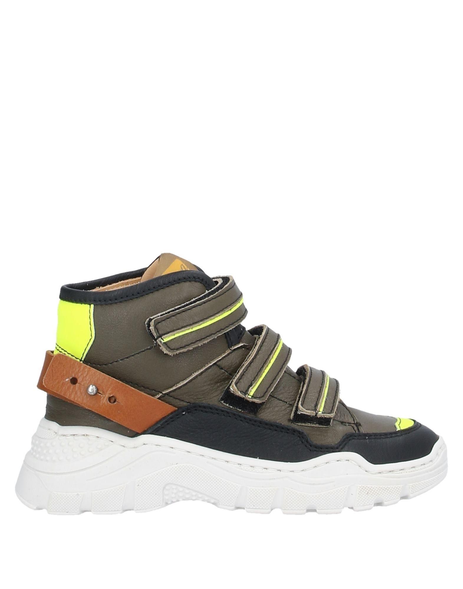 OCRA Высокие кеды и кроссовки