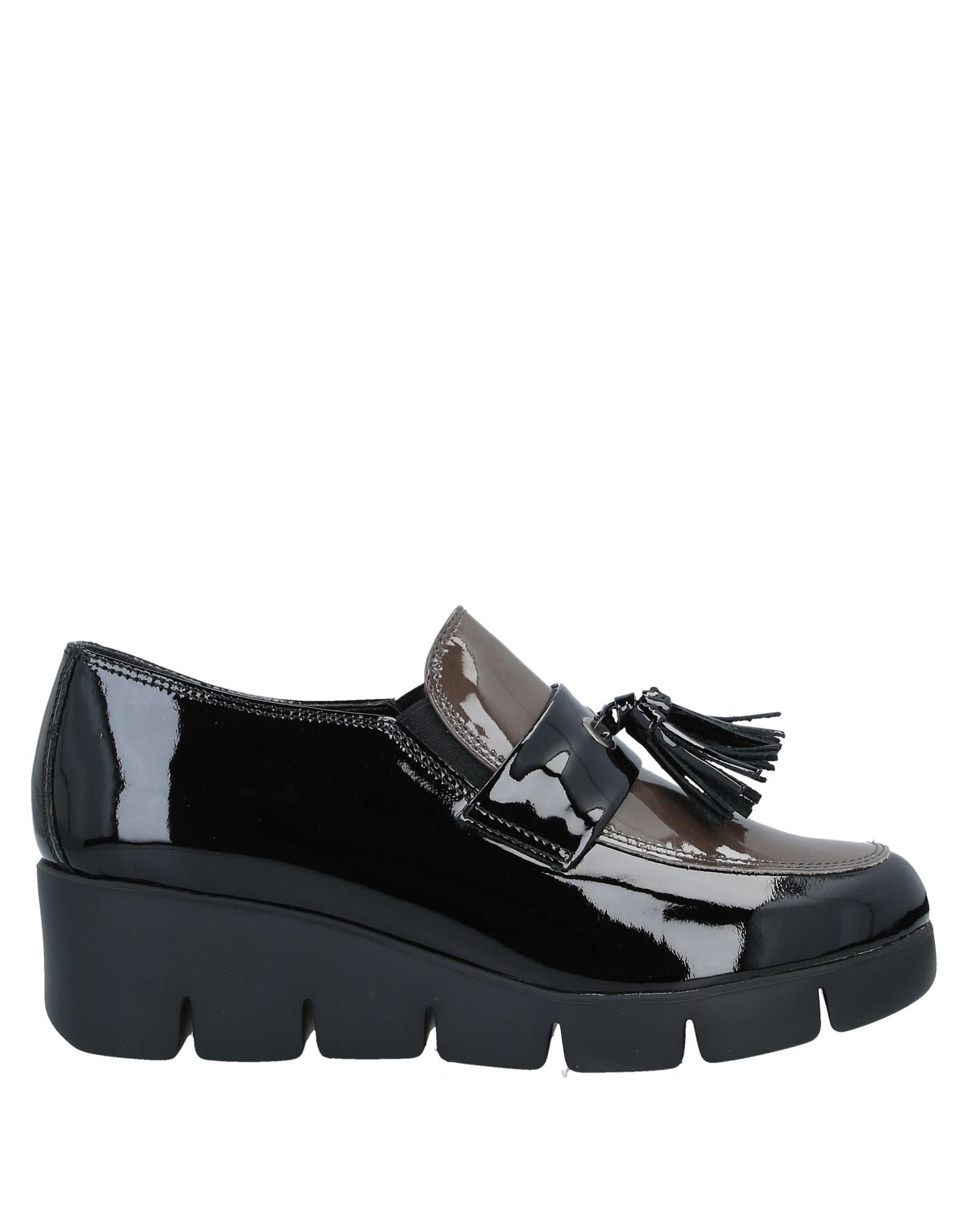 THE FLEXX Loafers. varnished effect, tassels, two-tone, elasticized gores, round toeline, wedge heel, rubber wedge, leather lining, rubber cleated sole, contains non-textile parts of animal origin. Soft Leather