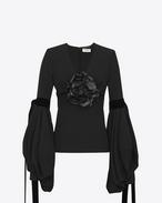 SAINT LAURENT Tops et blouses D Top décolleté en V à manches longues oversize en sablé noir et fleur en cuir noir f