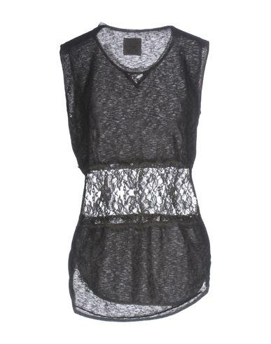 Фото 2 - Женскую футболку PINK MEMORIES черного цвета