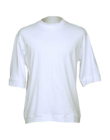 Фото - Женскую футболку CAMO белого цвета