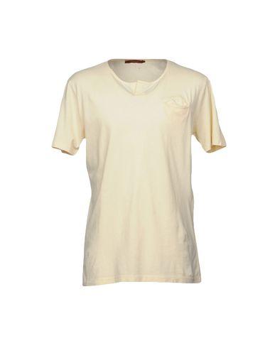Купить Женскую футболку INDIVIDUAL светло-желтого цвета