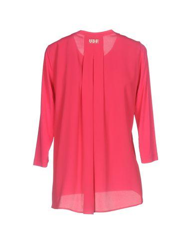Фото 2 - Женскую футболку VDP CLUB цвета фуксия