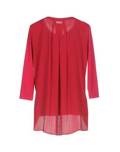 Фото 2 - Женскую футболку VDP CLUB цвет пурпурный