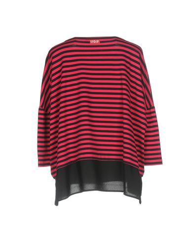 Фото 2 - Женскую футболку VDP CLUB черного цвета