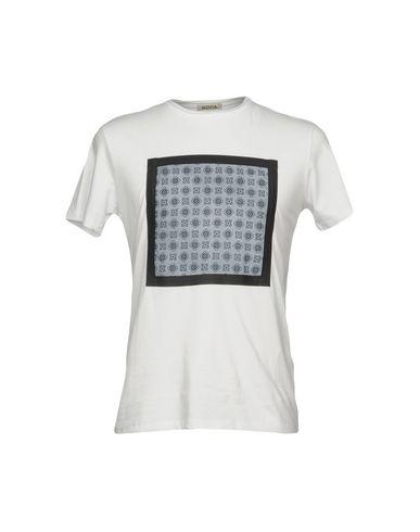 Фото - Женскую футболку RODA белого цвета